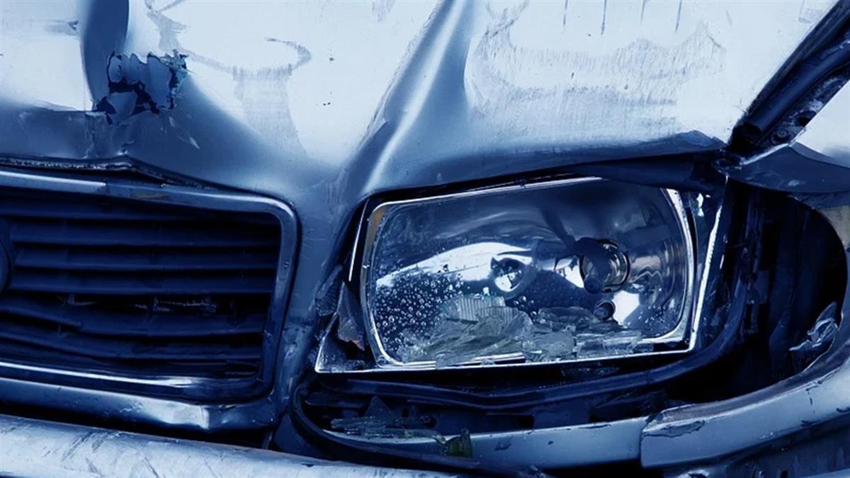 下班目睹車禍!5死全是妻兒 他衝現場抱屍痛哭