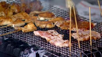 自家陽台上烤肉遭鄰居檢舉!警方上門關切