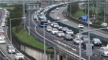 中秋連假次日國5北上塞 宜蘭坪林車速僅30多公里