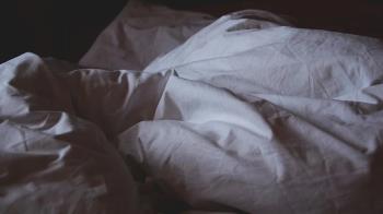 中秋啪啪玩上癮!23歲正妹半夜掛急診 醫嚇壞:腹部爆掉狂噴血