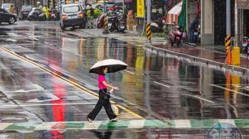 把握中秋連假好天氣!這天起「狂降10度」又下雨