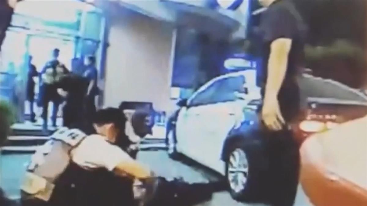 高雄澄觀所長疑過勞 心肌梗塞抽搐倒警車上急救清醒