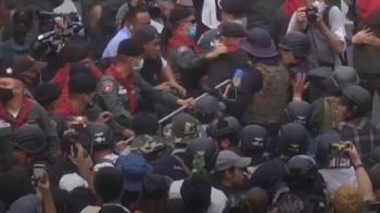 泰國禁5人以上集會 2反政府示威領袖被捕