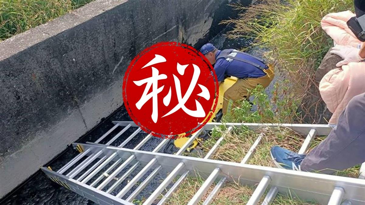 快訊/嘉義新港死亡車禍!49歲男騎士連人帶車摔水溝 明顯死亡
