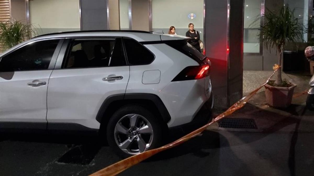 北市白牌計程車路邊發動數小時!司機猝死倒臥車內