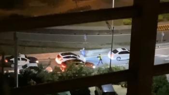 五股轎車拒檢還衝撞!警連開11槍追3公里 嫌棄車落跑