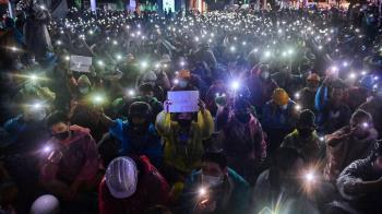 泰國反政府示威越演越烈 總理考慮召開國會特別會議
