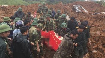 暴雨土石流直衝軍營!20名官兵慘死 2將軍罹難全毀