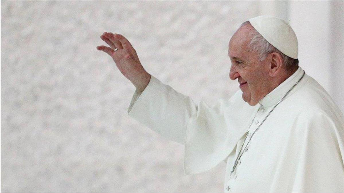 羅馬天主教教宗方濟各表態認同同性「民事結合」引起爭議