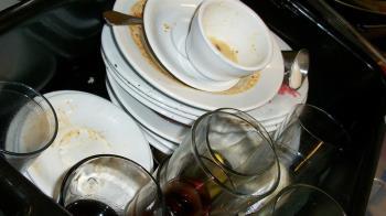洗碗別再隔餐洗!放4hr細菌暴增 超恐怖後果曝