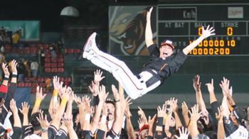 林岳平領兵首年搶下季冠軍 獅隊宣布真除總教練