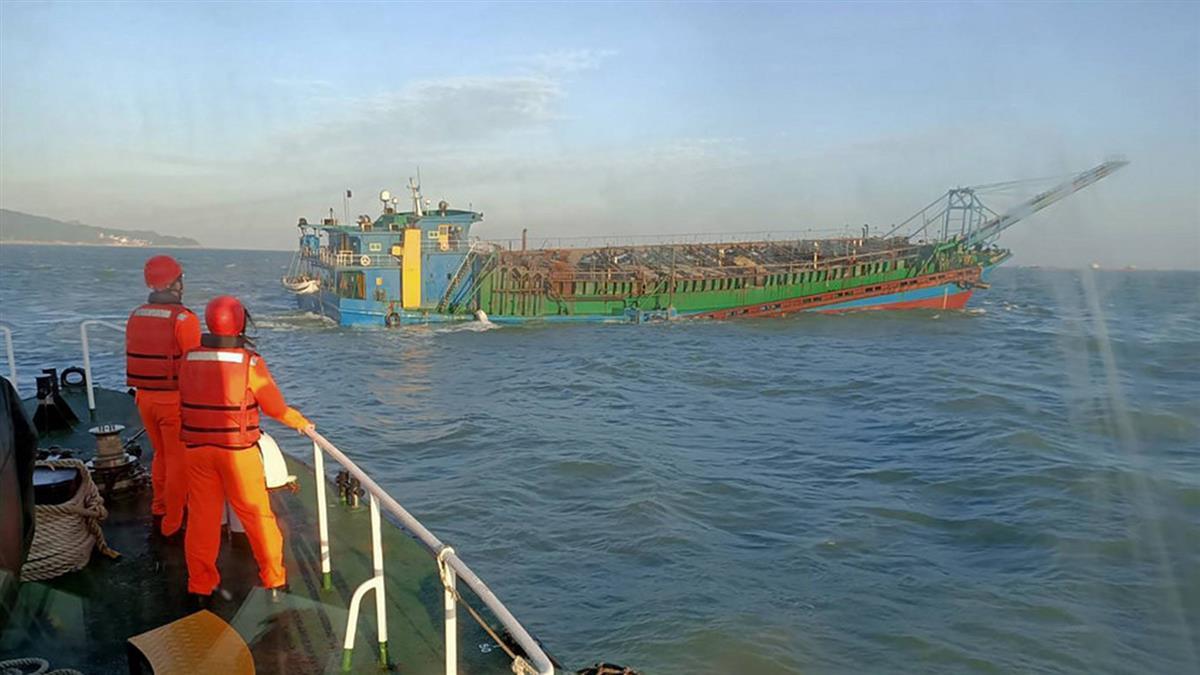 網傳馬祖南竿遭圍島 海巡指陸船抽砂出動艇艦取締