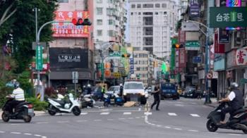 快訊/新莊重大車禍!5車撞一團 1無生跡5輕傷