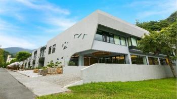 礁溪最新飯店「呆水溫泉」 早餐就有龍蝦鮑魚 外加24hr免費零食吧