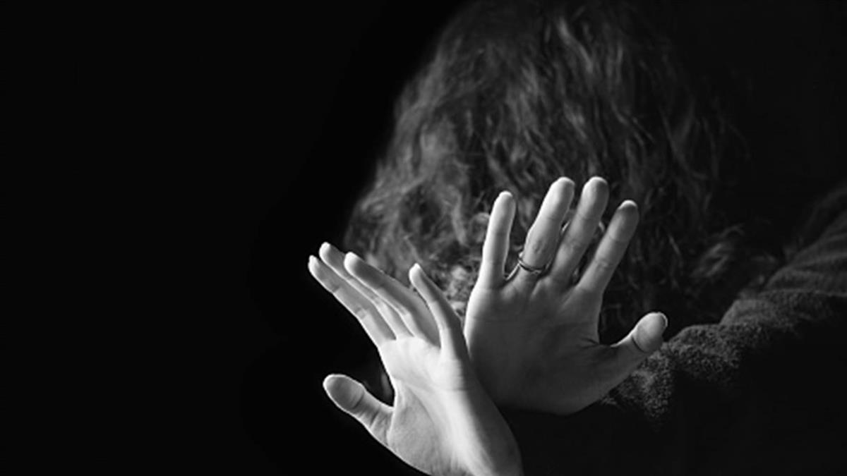 優良教師猥褻女童50次判4年 許常德怒批:性侵的大天堂