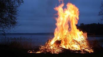台中男子燃燒雜草整地 疑遭嗆昏燒燙傷送醫不治