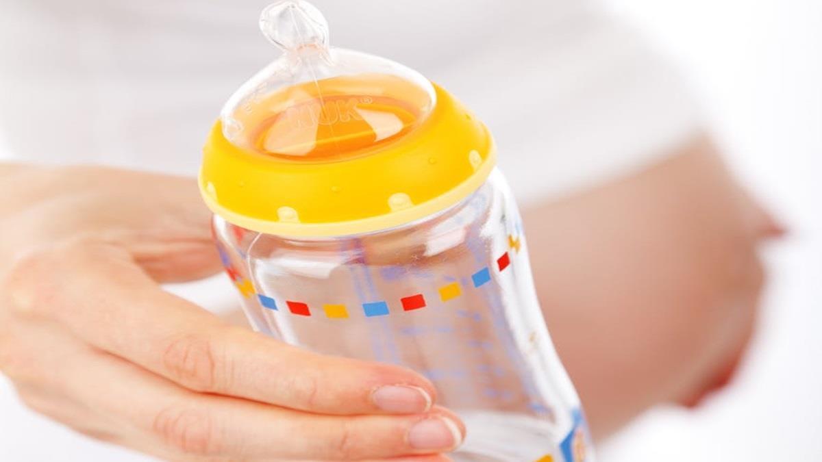 美代理孕母上網賣母乳賺近60萬!挨批「無本生意」