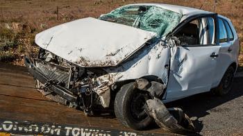 酒駕男開直播狂飲!6分鐘後衝撞卡車 3乘客當場慘死