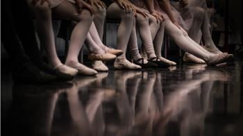 8歲女童學舞練下腰!90分鐘後2腿發涼 醫嚇:一輩子完了