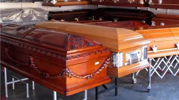 媽欠53萬醫院拒開死亡證明!男大生遺體躺殯儀館17年