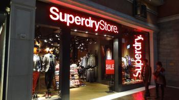 「國民制服」Superdry年底撤出台灣 最後櫃位收攤時間出爐