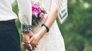 新郎婚禮前2小時墜樓亡 二婚妻繼承780萬妻繼承遭公婆提告