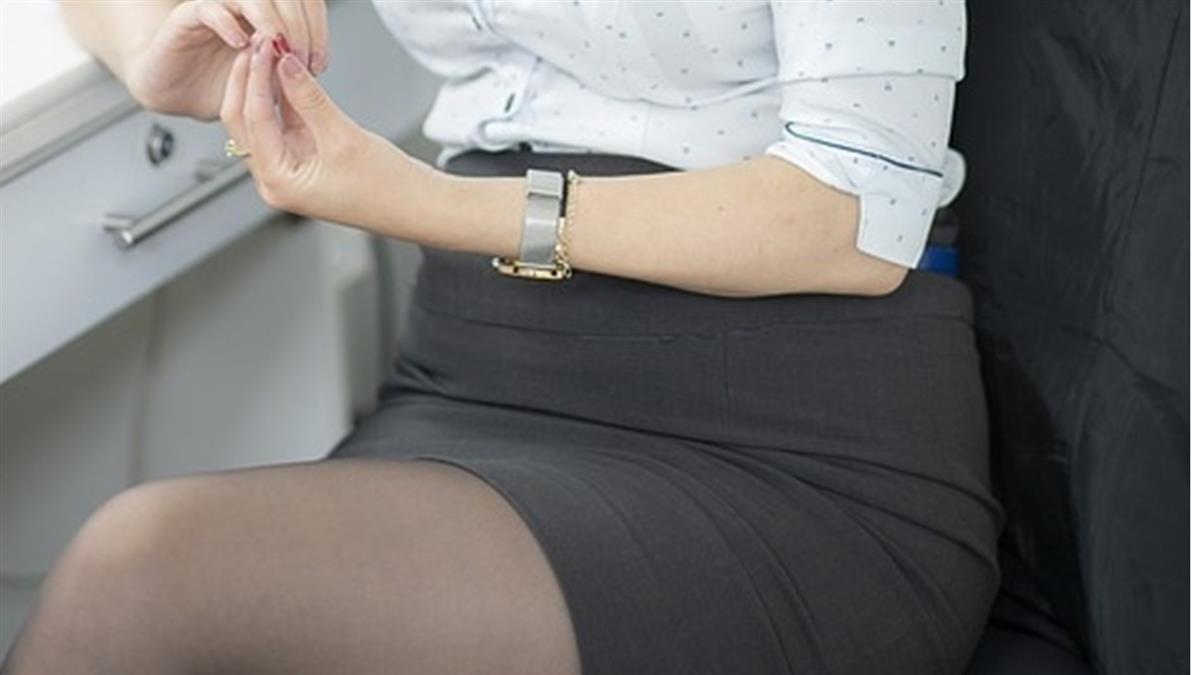私處飄魚腥味!27歲正妹香水壓不住 醫內診爛肉嚇:是癌症