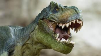 老婆叫聲像「暴龍」!人夫看侏羅紀起反應崩潰:搞得像龍騎士