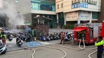 快訊/新竹特斯拉充電站火警! 超濃白煙竄天際