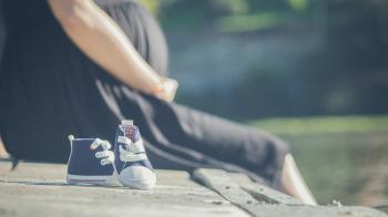 24歲孕婦私密處感染狂嘔!睡覺醒來直接被尪休了