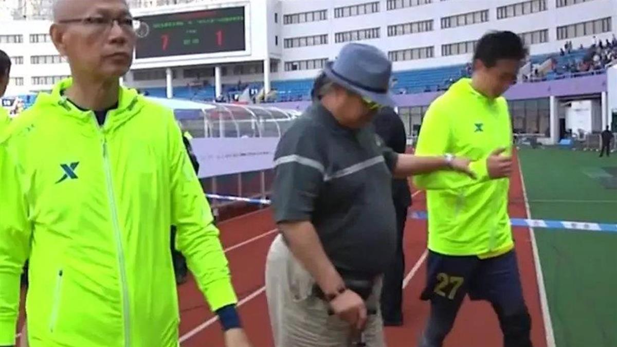 洪金寶「拄拐杖還要人扶」 68歲堅持不退休原因曝光