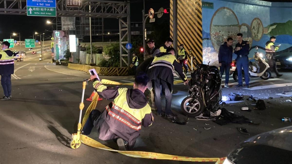 士林汽機車相撞!車頭全毀 60歲翁失去生命跡象搶救中