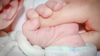 甜美護理師狠殺8嬰!遺體布滿詭異斑點 警揭驚人真相