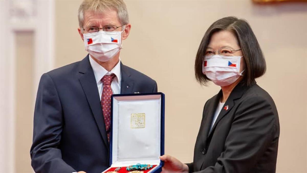 韋德齊收1.1億才訪台? 外交部批:陸戰狼外交的惡意抹黑