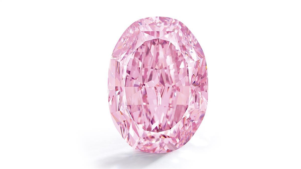 7.6億元售出!稀有粉紅鑽石「玫瑰花魂」創世界紀錄
