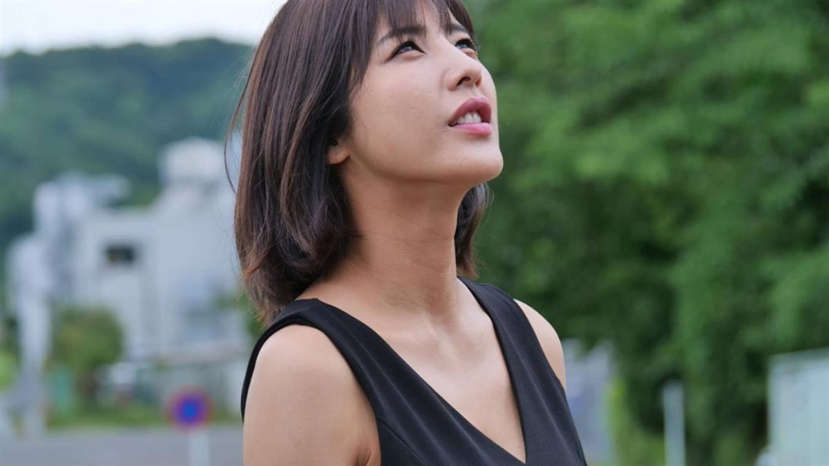 渡邊萬美挑戰近5分鐘裸露床戲 導演要她:別叫太大聲!