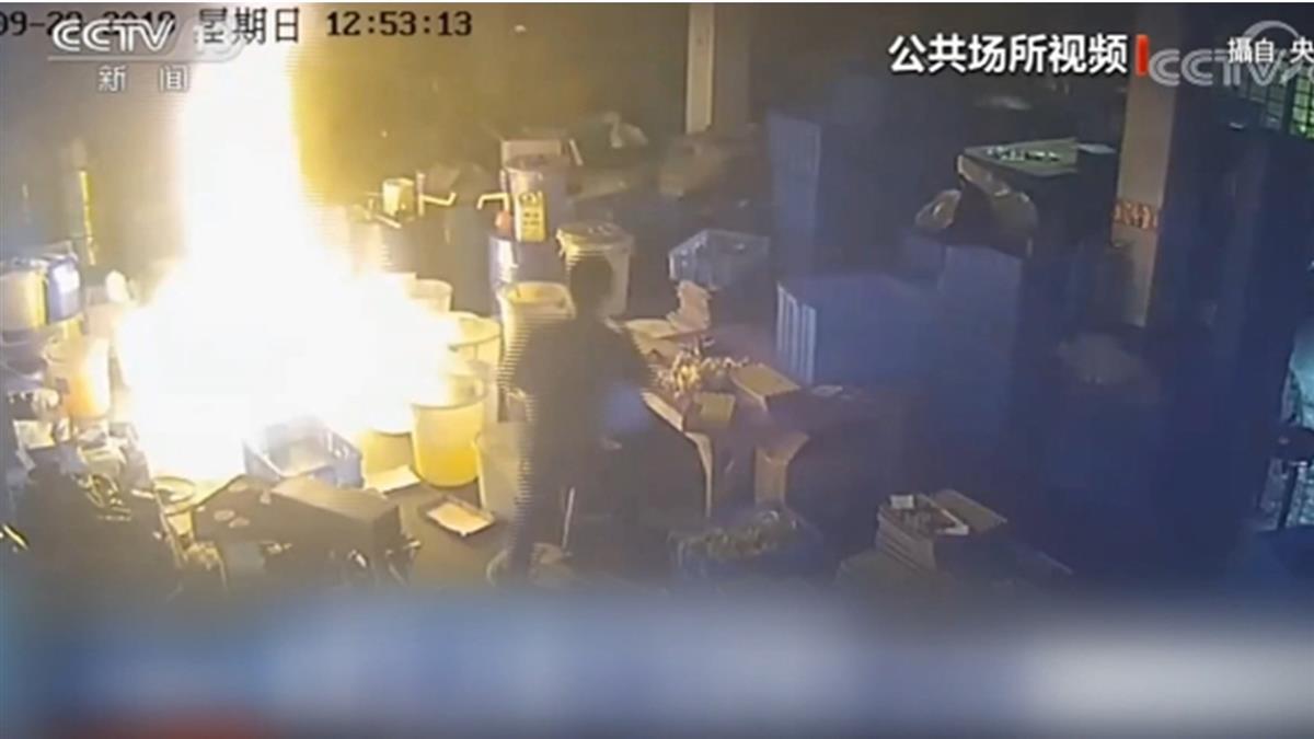 工廠起火他用嘴狂吹!同事冷眼不去幫 19人慘燒死