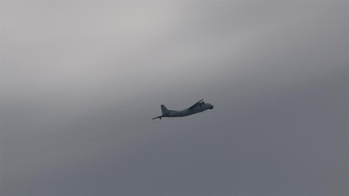 共軍運8反潛、技術偵察機擾台 空軍防空飛彈追監