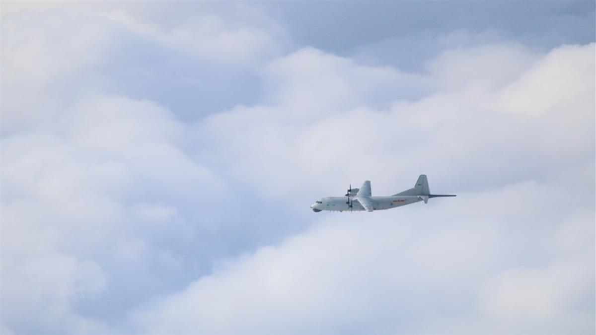共軍運8反潛、遠干機擾台  空軍防空飛彈追監