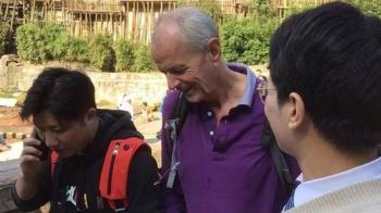 英國外交官在重慶勇救落水女生,中國網友點讚「英雄」