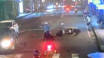 曳引車載機具扯斷電線 騎士絆倒重摔險壓頭