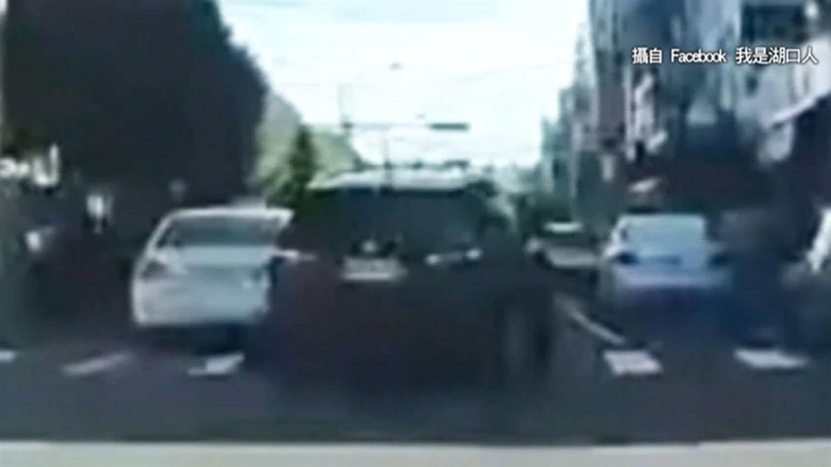 獨/都有小孩!遭控煞停害追撞 駕駛嗆「保險可理賠」