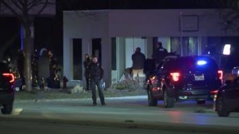 美國威州商場爆槍擊案 至少8人中彈槍手逃逸中