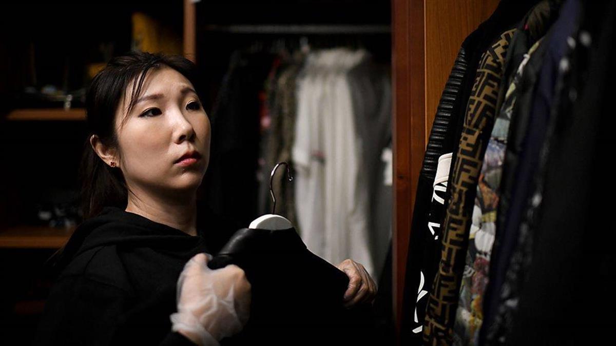 衣服和包包堆積如山 中國代富豪整理衣櫥服務走紅
