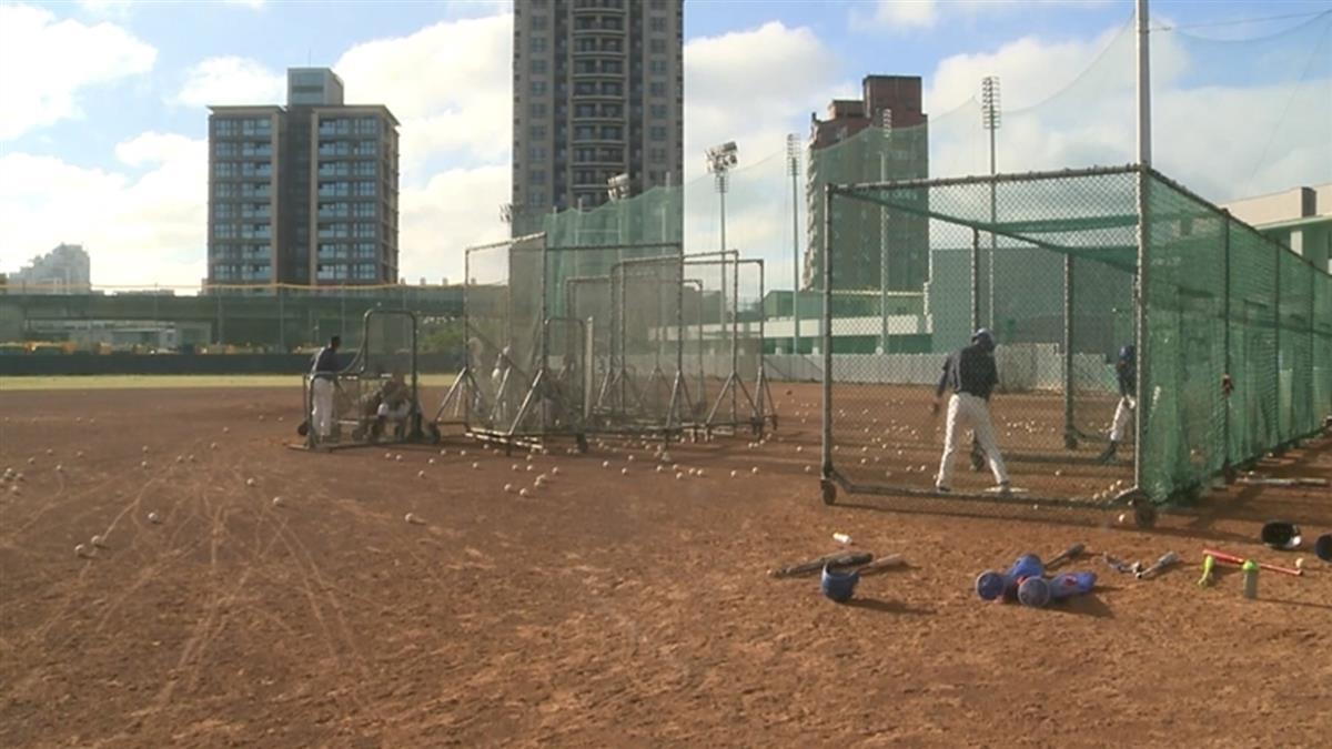 斥資1億6300萬元打造 平鎮棒球場無執照就使用