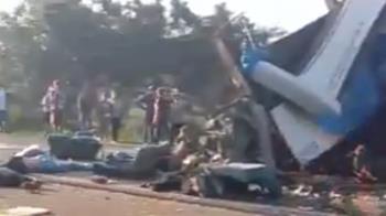 巴西重大車禍!巴士卡車相撞車體全毀 40人慘死