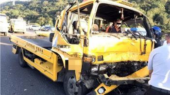 國道3鶯歌路段3車追撞 2名駕駛送醫