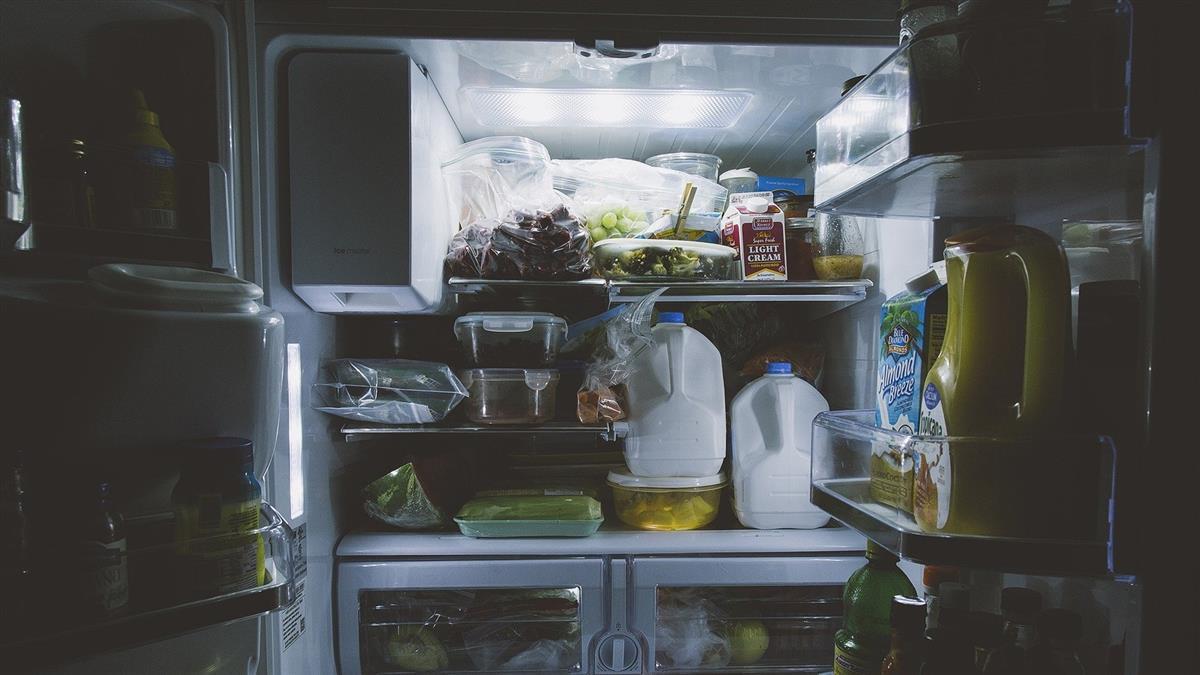 警登門查戶口!一開冰箱見「嬰屍」 陸籍夫妻:他太吵了
