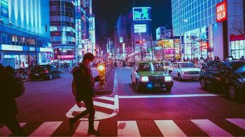 高速公路穿越大樓 成日本大阪另類地標