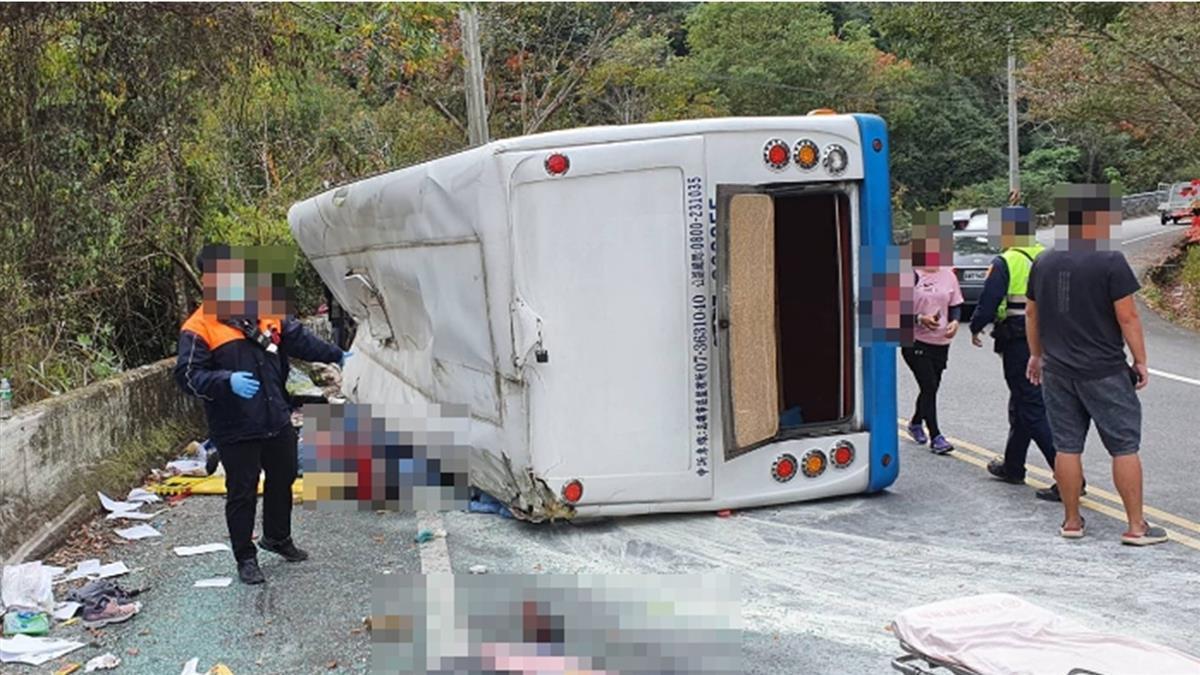 奧萬大遊覽車翻覆1死20傷 肇事駕駛被爆7年違規82次